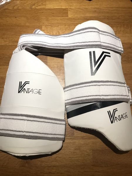 Vantage Thigh Pads Strapped